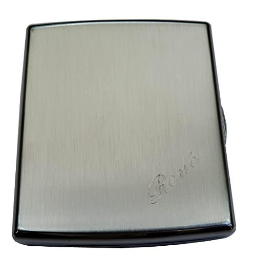 Edles Zigarettenetui Silberfarbig gebürstet: Mit SOFORTGRAVUR + VORSCHAU: Gravur des Vorname oder die Initialen in Schreibschrift oder Druckschrift inklusive : Etui mit Klammerhalterung.