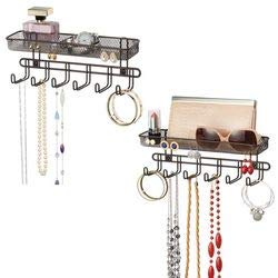 mDesign espositori per gioielli da appendere – Porta gioielli con 6 ganci e 2 scomparti portaoggetti porta orecchini, anelli, occhiali, collane ed accessori – Colore: bronzo - Confezione da 2