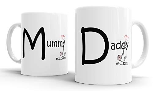 Faithful Prints Mummy and Daddy 2020 Juego de tazas personalizadas para padres nuevos mamá y papá, blanco, 11 onzas
