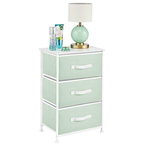 mDesign Mesita de noche con 3 cajones – Cajoneras para armarios fabricadas en tela, metal y MDF – Cómoda pequeña decorativa para el dormitorio o el salón – verde claro y blanco