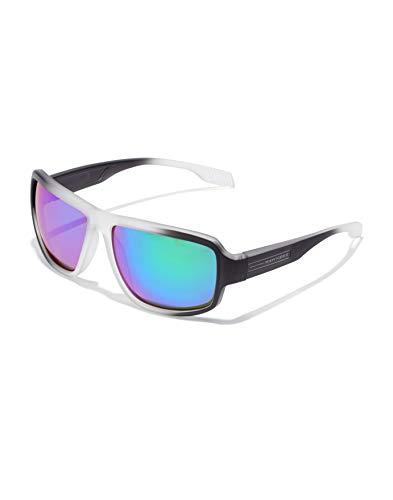 HAWKERS · Gafas de Sol F18 Emerald, para Hombre y Mujer, de diseño sportswear con montura bicolor de transparente frosted a negro y lentes iridiscentes esmeralda, azules y lilas, Protección UV400