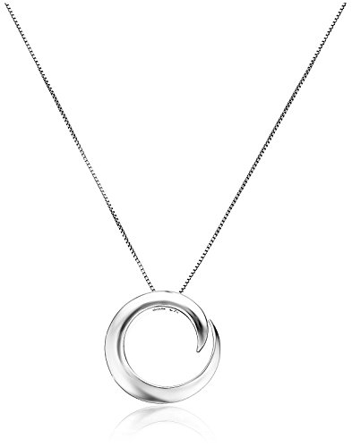 Sterling Silver 'A Journey Is Best Measured By Friends Not Miles' Circle Pendant Necklace, 18'