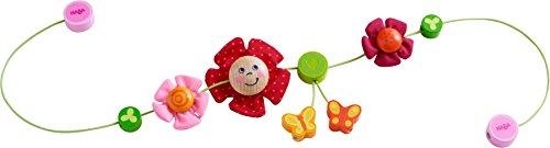 Haba 303822 - Kinderwagenkette Schmetterlingsfreunde | Wagenkette mit bunten Blumen- und Schmetterlingsmotiven | Baby-Spielzeug für den Kinderwagen