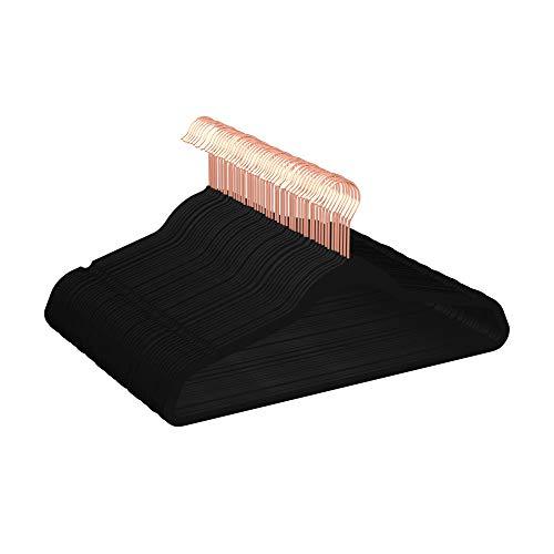 Amazon Basics – Kleiderbügel für Anzüge, beflockt, Schwarz/goldfarben, 50Stück