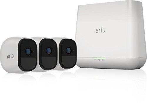 Arlo Pro VMS4230 - Sistema de seguridad y vigilancia de 3 cámaras sin cables con estación base y sirena (recargable, interior/exterior, visión nocturna, audio bidireccional, visión 130º)