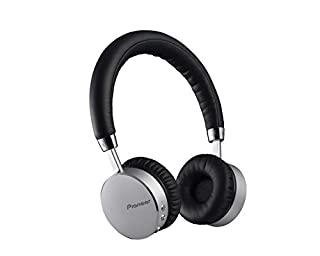 Tipo: cuffie dinamiche completamente chiuse Risposta in frequenza: 9 - 22.000 Hz Unità driver: 40 mm Telefonate in viva voce con il microfono integrato Tecnologia NFC e audio Bluetooth, 15 ore di autonomia in uso