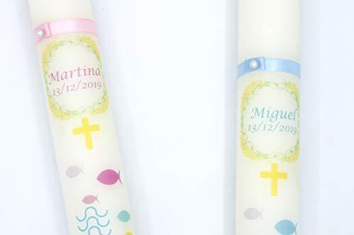 Vela de bautizo-Personalizada, decorada con motivos de peces y agua, en rosa, y azul.La personalización está incluida en el precio- medidas 40x3 cm