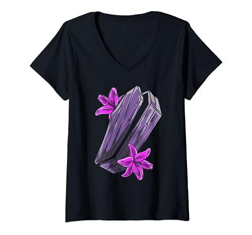 Mujer Get In Loser Goth ataúd pastel ataúd flores Halloween Camiseta Cuello V