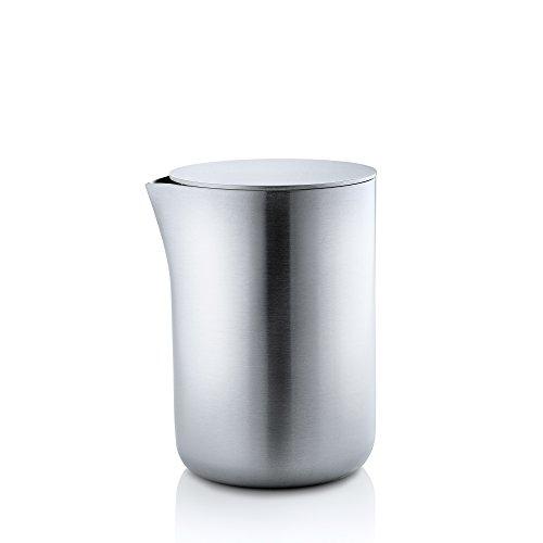 blomus -BASIC- Milchkännchen aus mattiertem Edelstahl mit Deckel, Milchkanne 250 ml Fassungsvermögen, edle Sahnekanne, Gefäß spülmaschinengeeignet (H / B / T: 9,7 x 6,6 x 7,5 cm, Edelstahl, 63620)