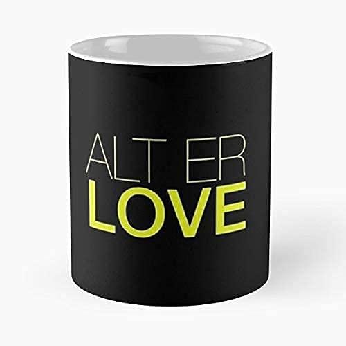Taza clásica Skam de Alt Er Love