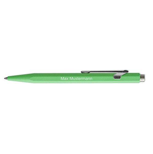 Caran d'Ache Kugelschreiber 849 Metall personalisiert mit Namen oder Text   Goliath Mine in blau   Farbe neongrün