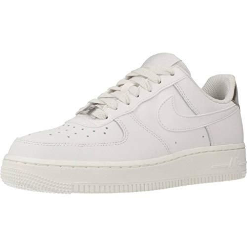 Nike Wmns Air Force 1 '07 Ess, Scarpe da Basket Donna, Grigio (Platinum Tint/Platinum Tint/Summit White 003), 44.5 EU