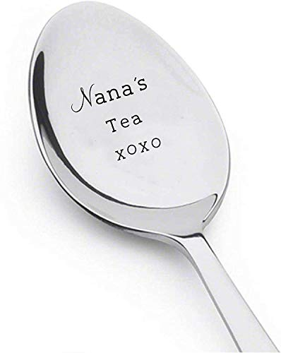 Nana's Tea Xoxo - Cuchara grabado - Regalo personalizado para abuela madre cuchara de té - Regalo para abuelos mamá opa - Regalo de aniversario de Navidad - Regalo para grandes madres Funny Spoon