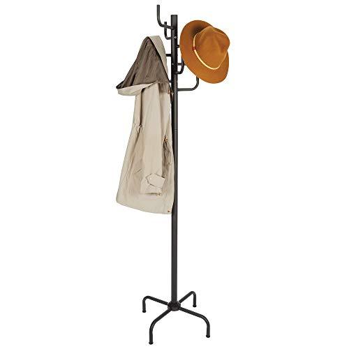 mDesign Perchero de pie de metal – Estable colgador de ropa con cuatro patas antideslizantes – Perchero metálico con 8 ganchos para chaquetas, abrigos y accesorios – negro