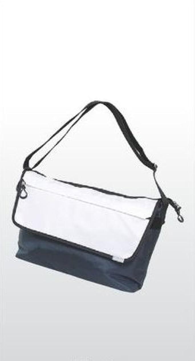 告白するソーシャルレキシコン十川鞄 B.C.+ISHUTAL イシュタル レオンテ ショルダーバッグ ネイビー ILE-5903