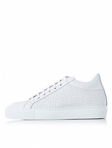[イルモ] Punching matching white leather sneakers Unisex ホワイトパンチングレザーマッチング男女共用スニーカー MA64K10011 (並行輸入品) (EU37)