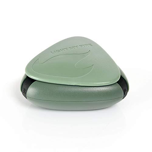 Light My Fire Salz und Pfefferstreuer - Mini Salzstreuer für Unterwegs - 3 in 1 Gewürzdose für Camping to Go Outdoor - Grün - Made in Sweden & 100% BPA Frei - Verschließbar Klein & Leicht