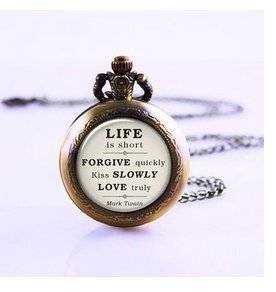 Mark Twain Zitat auf Leben, Liebe & Vergebung, inspirierendes Zitat Jewelry Taschenuhr, Liebe, Romance, Kiss Taschenuhr