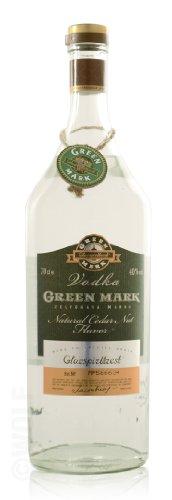 Green Mark Natural Cedar Nut Flavor Vodka 40% 0,5l Flasche