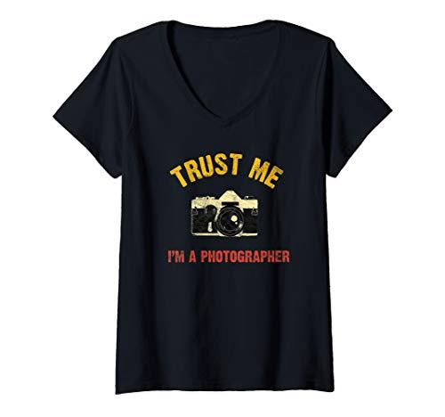 Damen Vintage Trust Me I'm Photographer DSLR Kamera Lens Analog T-Shirt mit V-Ausschnitt