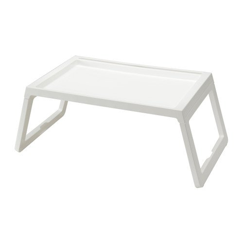 Bandeja para la cama plegable Klipsk de Ikea, color blanco, 70 x 36 x 26 cm (largo x ancho x alto)