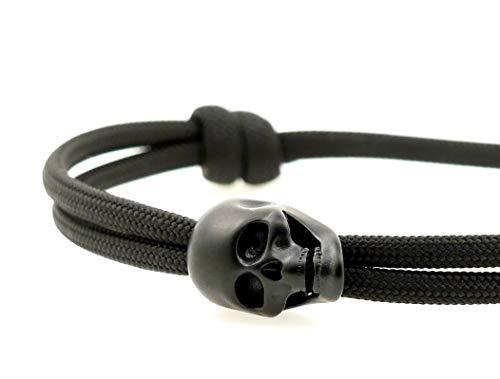 KOMIMAR Surfer Armband SKULL n´BONES - cool lässiger Surf Style - Totenkopf Armband - Edelstahl Massiv - Geschenkidee - Rocker Bracelet - Strandschmuck - Männer Schmuck - Herrenarmband - Schwarz