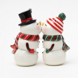 Pacific Giftware, Snowman Couple Magnetic Salt and Pepper Shaker Set Christmas Winter
