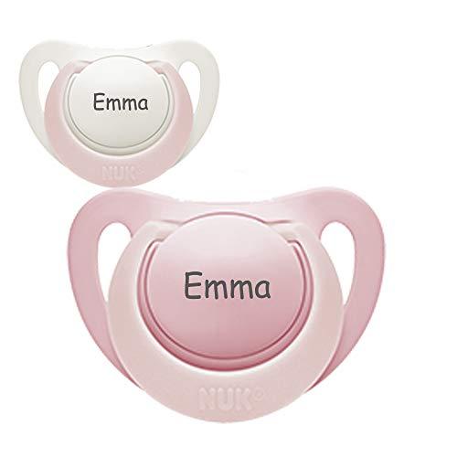 NUK Genius Namensschuller, Silikon, Größe 1, 0-6 Monate, 2 Stück Schnuller mit Namen, rosa und weiß