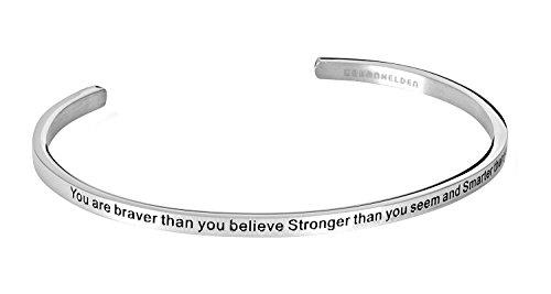 """URBANHELDEN - Armreif mit Gravur - Damen Schmuck Inspiration Motivation - Verstellbar, Edelstahl - Armband mit Spruch""""Braver Stronger Smarter"""" - Silber"""
