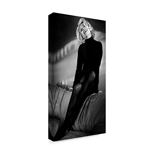 Trademark Fine Art 1X06272-C1632GG My Day with Marilyn by Peter Muller Photography 16