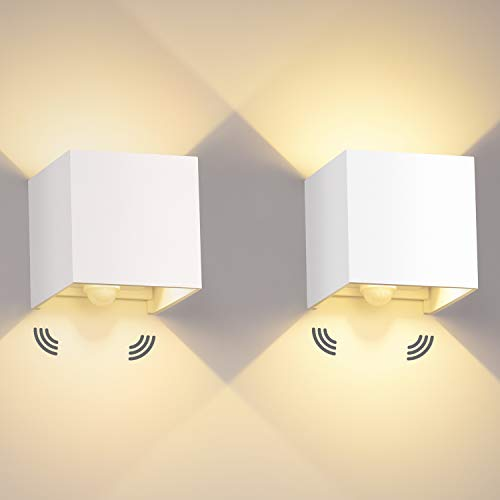 12W LED Wandleuchte Innen/Außen 2 Stücke mit Bewegungssensor LED Wandbeleuchtung IP65 Led Wandlampe 3000K Außenwandleuchte Mit Einstellbar Abstrahlwinkel Außenleuchte Sensor