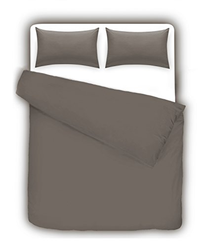 Divine Textiles Non Iron Plain Dyed Duvet Cover With Pillow Cases Easy Care Luxury Percale Bed Set, Super King - Grey