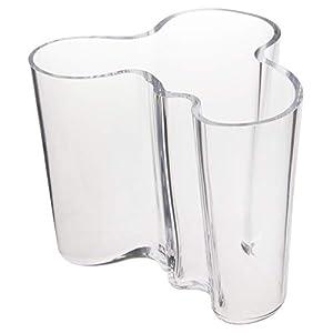 Design: Alvar Aalto Materiale: vetro Cura: Lavaggio a mano Particolarità: decorata a mano Dimensioni: Altezza 12cm, larghezza: 15cm Lunghezza: 12,50cm
