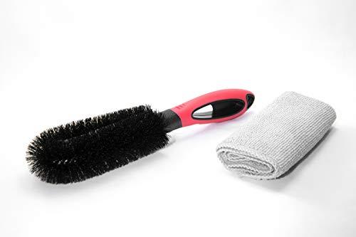 Brosse de jante de qualité supérieure avec chiffon en microfibre pour nettoyer les jantes en douceur et efficacement. Pour voiture et moto avec jantes en aluminium ou jantes en acier.