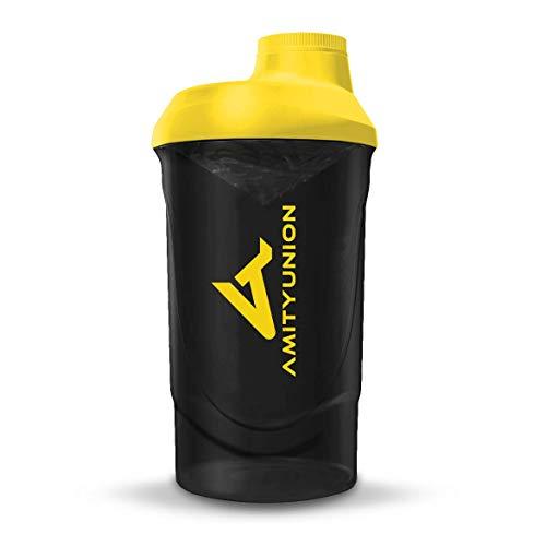 AMITYUNION Protein Shaker Smoke Gelb Deluxe 800 ml - Eiweiß Shaker auslaufsicher - BPA frei mit Sieb & Skala für Cremige Whey Proteinpulver Shakes - Gym Fitness Becher für Isolate und Sport Konzentrat