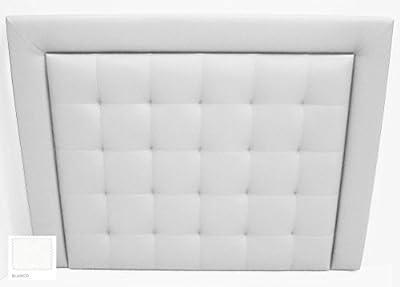 Cabecero de cama tapizado en polipiel de primera calidad, de fácil limpieza con un paño húmedo, y en caso de mancha con un poco de jabón neutro. El cabecero se envía con todos los herrajes necesarios para su instalación.