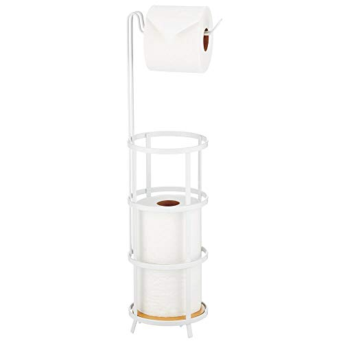 mDesign Toilettenpapierhalter stehend – moderner Papierrollenhalter fürs Badezimmer – Klopapierhalter für mehrere Rollen – mit Halterung für 3 Reserverollen – mattweiß/natur