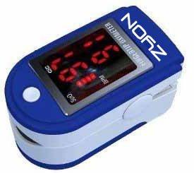 Biosync SP02 - Oxímetro de pulso para dedo (pantalla LED, correa y funda)