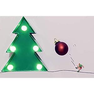 Coole schöne lustige Postkarte Weihnachtsbaum-Schmücker| Fußballer schießt Weihnachts-Kugeln an den Baum