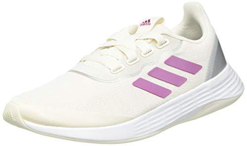 adidas QT Racer Sport, Sneaker Mujer, Chalk White/Cherry Metallic/Silver Metallic, 38 2/3 EU