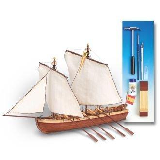 Maqueta de barco en madera: Santísima Trinidad con herramientas