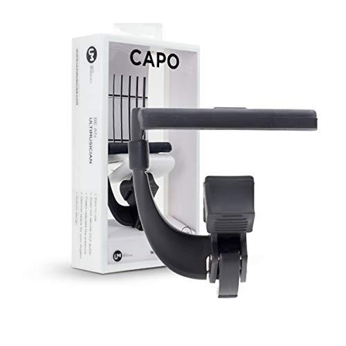 Capo-N, ontwikkeld voor Spaanse gitaars. Capodaster voor gitaren met nylon snaren met vlakke radius die je gitaar niet belooft.