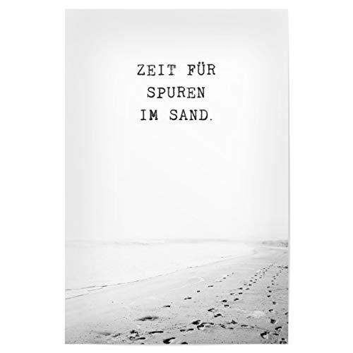 artboxONE Poster 30x20 cm Typografie Zeit für Spuren im Sand - Bild Typografie fußspuren Inspiration