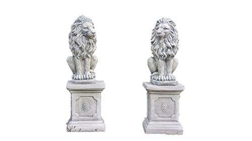 Löwen auf Sockel, Löwen Set, Skulptur aus Steinguss, Figuren