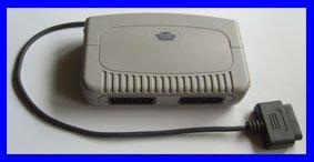 Multitap / Multi-Tab / Joypad 5-fach Adapter PAL, deutsch (für SNES Super Nintendo Controller)