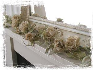 Home4u - Ghirlanda di rose, 180 cm di lunghezza, colore: Crema