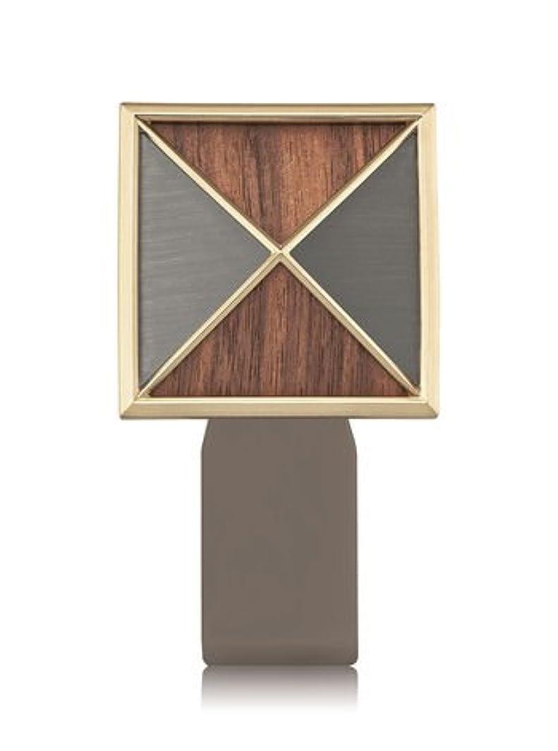 練る空いている彼ら【Bath&Body Works/バス&ボディワークス】 ルームフレグランス プラグインスターター (本体のみ) テクスチャーシールド Wallflowers Fragrance Plug Textured Shield [並行輸入品]