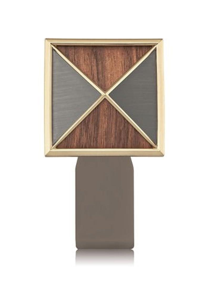解放特徴運命的な【Bath&Body Works/バス&ボディワークス】 ルームフレグランス プラグインスターター (本体のみ) テクスチャーシールド Wallflowers Fragrance Plug Textured Shield [並行輸入品]