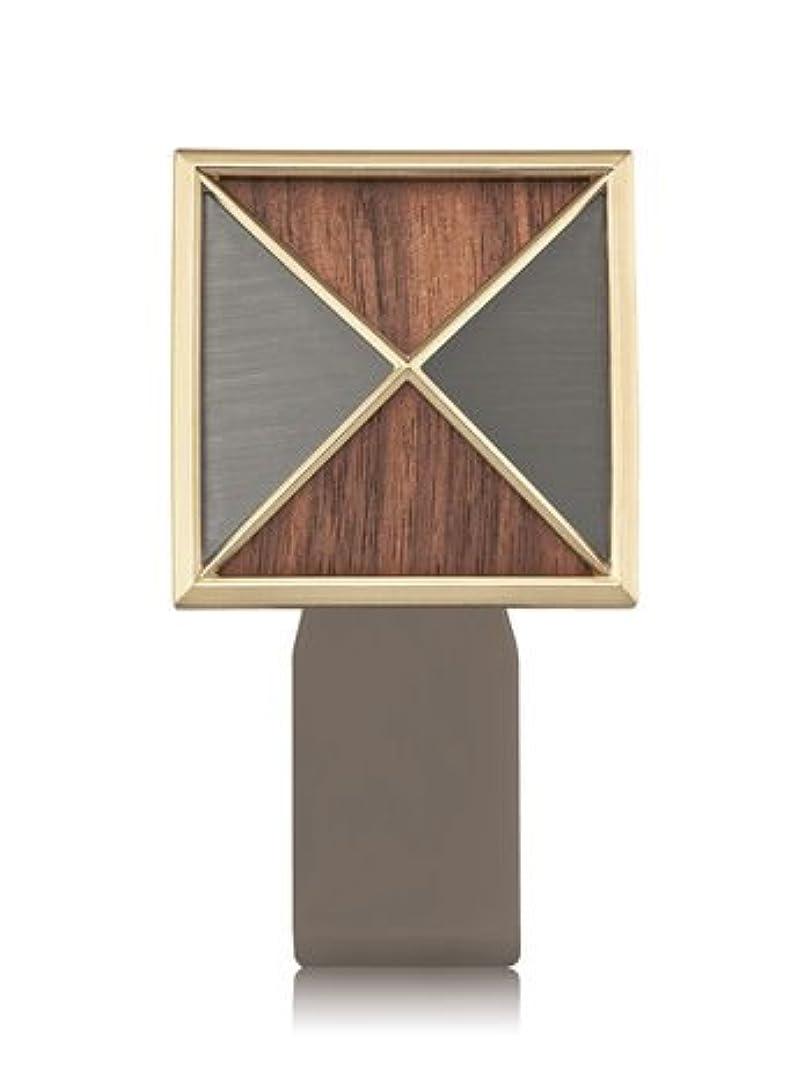 満たす世界的に自治【Bath&Body Works/バス&ボディワークス】 ルームフレグランス プラグインスターター (本体のみ) テクスチャーシールド Wallflowers Fragrance Plug Textured Shield [並行輸入品]