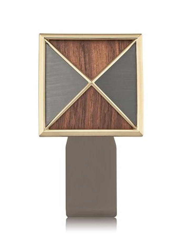 珍しい無秩序精神医学【Bath&Body Works/バス&ボディワークス】 ルームフレグランス プラグインスターター (本体のみ) テクスチャーシールド Wallflowers Fragrance Plug Textured Shield [並行輸入品]